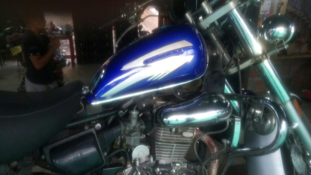 Moto 200 Um