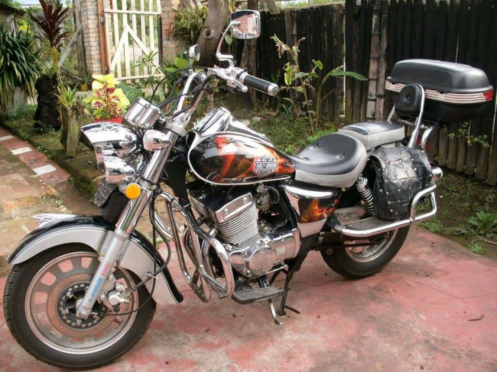 Vendo Moto Titania Cilindraje 250