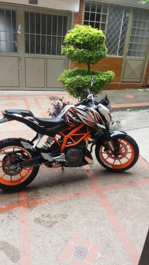 vendo moto muy buena