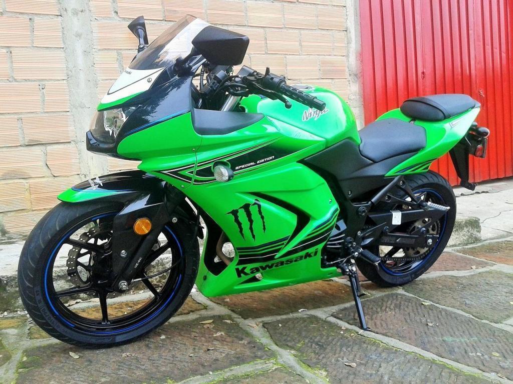 Vendo hermosa Kawasaki Ninja 250R Mod. 2012 Última Edición Especial