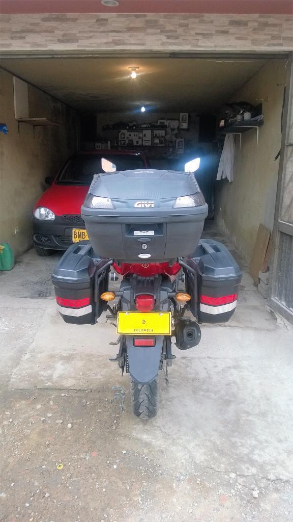 Sillas de ruedas a motor a gasolina brick7 motos for Sillas para motos