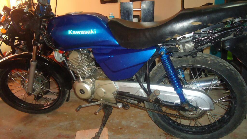 Moto Kawsaki 4 Tiempos
