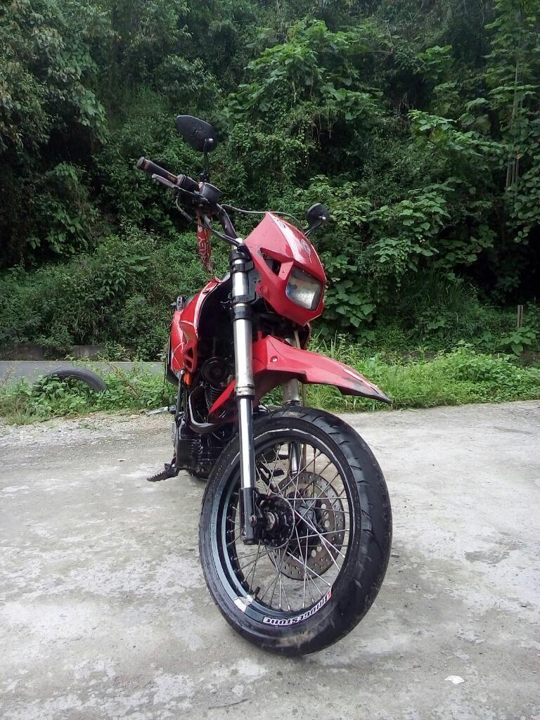 Akt 200 Modelo 2008