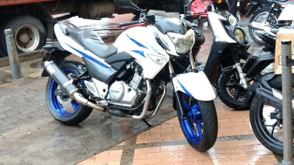 Vendo Moto Suzuki Inazuma