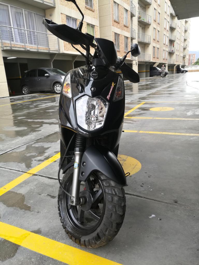 Moto Akt Dynamic R 125