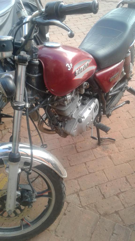 Moto Susuki en Excelente Estado