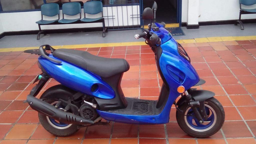 MOTO UM GP1