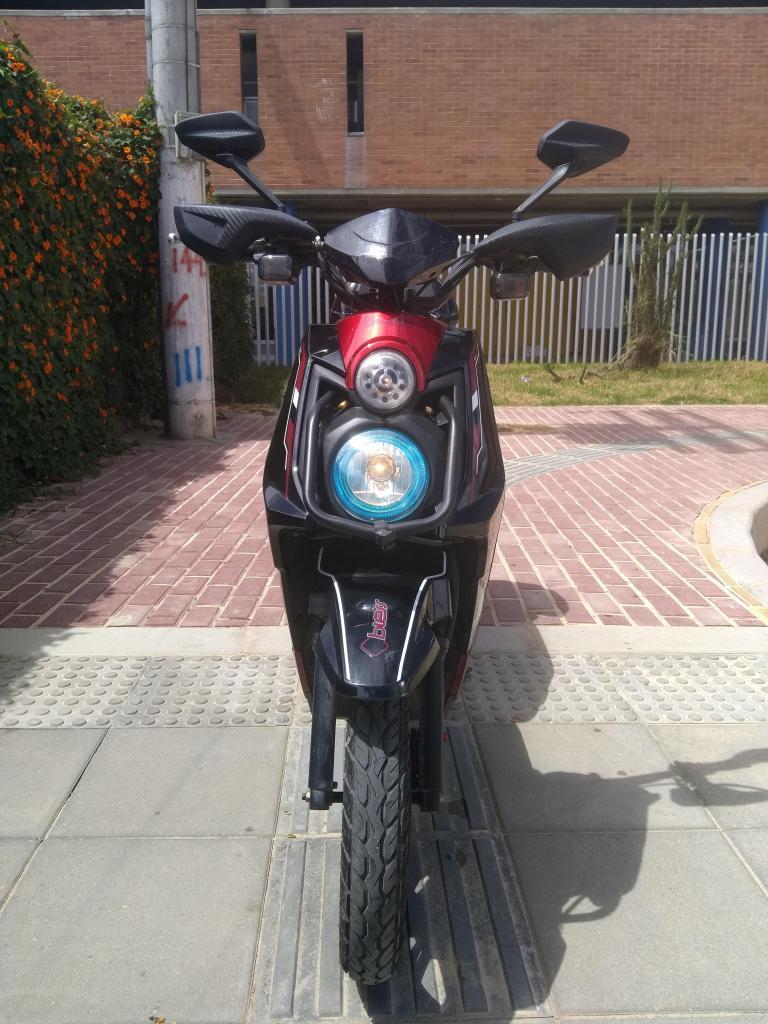 Moto Bicicleta de Movilidad Eléctrica Marca ELECTRIKA REF. BLESS 500 Color Rojo 4.900 KM