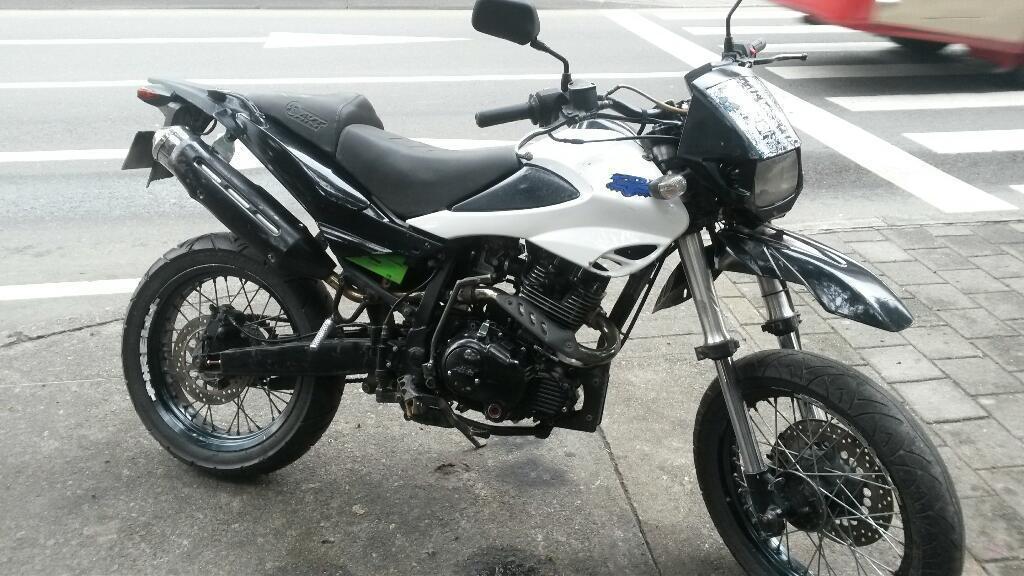 Akt Xm200 Modelo 2008