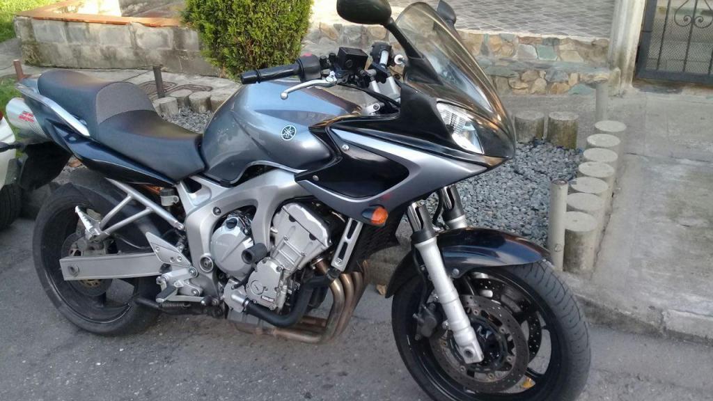 Yamaha 600 Negras - Brick7 Motos