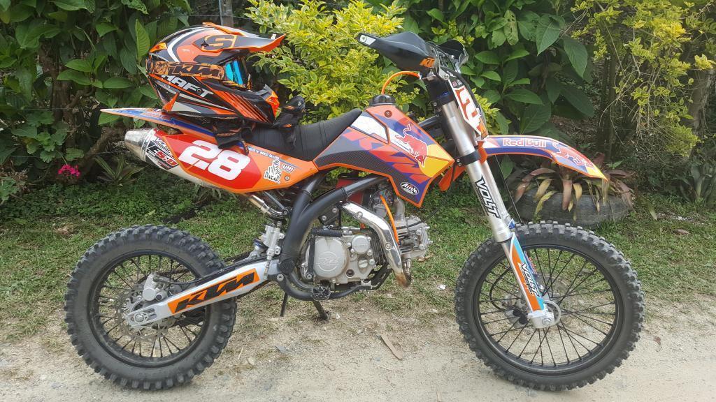 Vendo Moto De Cross Enduro RFZ 150 Apollo. Personalizada KTM