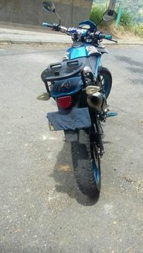 Moto Akt sm 200