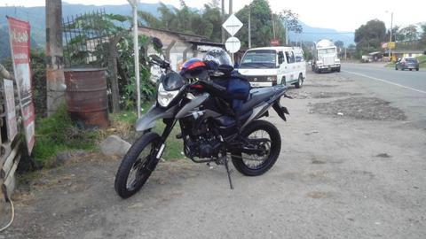 vendo moto akt 150 BR matriculada en santander de quilichao