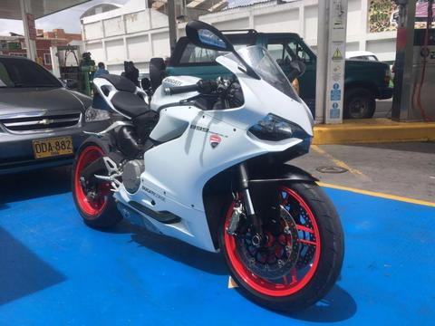 Moto Ducati Panigale 899 2014