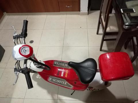 Oportunidad vendo hermosa Moto para Niños EScooter
