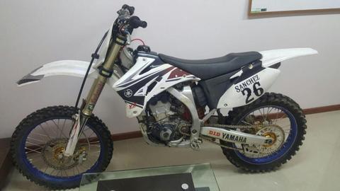 Moto Yamaha YZ 250