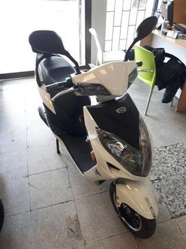 MOTO ELECTRICA 1 MES USO GARANTIA MOTOR, CHASIS, CASCO Y TRAMITES DE PASE