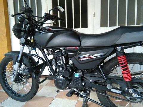 Moto Akt Nkd 125 Cascos Defensa