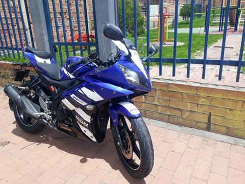 Yamaha R15 2013 Full Motor