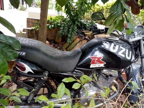 Vendo Moto Gs 125 Suzuki
