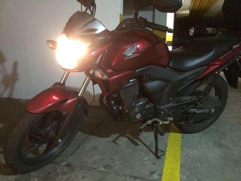 Motocicleta Invicta 2015 150