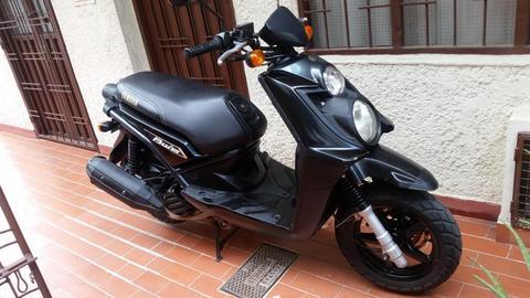 Se vende moto bws modelo 2012 exelente estado